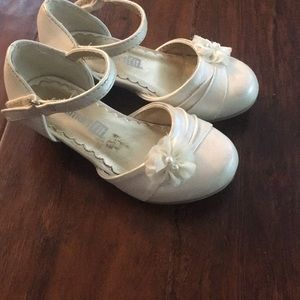 Other - Cream toddler girl heeled dress shoes